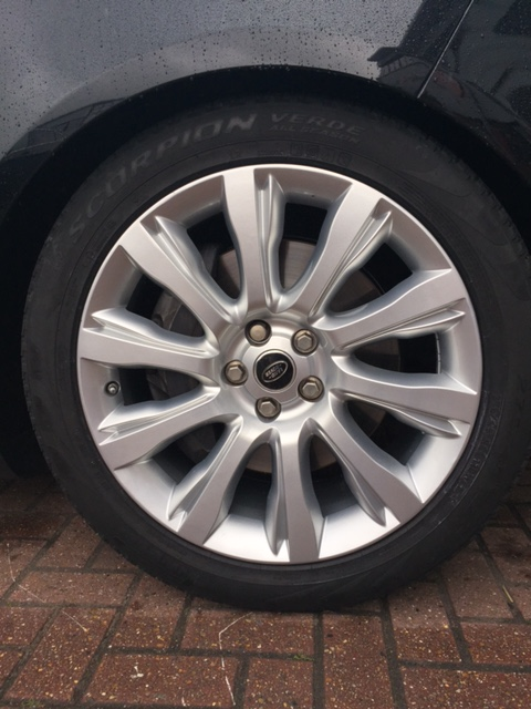 standard-painted-alloy-wheel