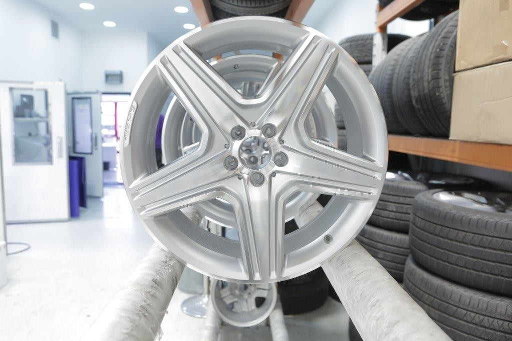 mercedes-gl-amg-alloy-wheel1